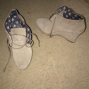 Tan Lucky Brand wedges size 10